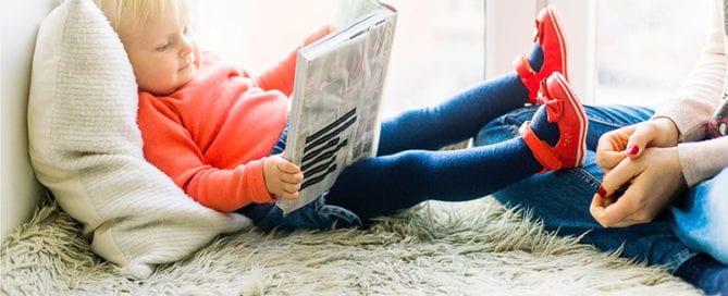 child-love-reading