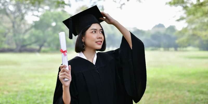 graduate-girl 1